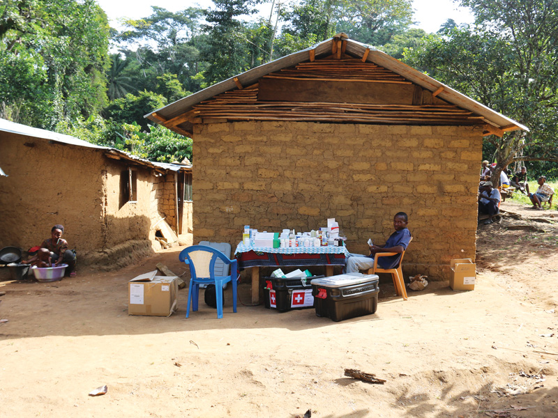 medical-care-remote-liberian-villages